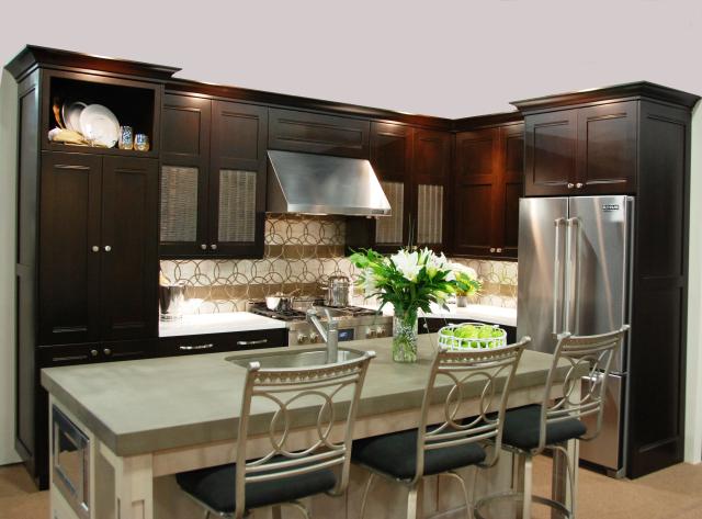Transitional Alder Kitchen